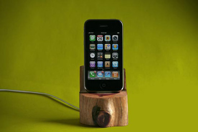 Tree-trunk-iphone-dock-01